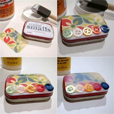 Decoupage Tin - learn how to decorate altoid tins mod podge rocks