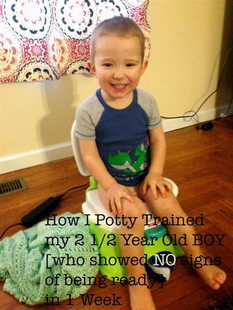 how to potty a boy 25 best ideas about potty boys on potty toilets potty