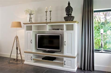 mobili per tv a parete parete porta tv provenzale arredamenti provenzali shabby chic