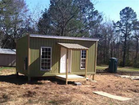 tiny houses for homeless town builds tiny house for homeless outcast good news network