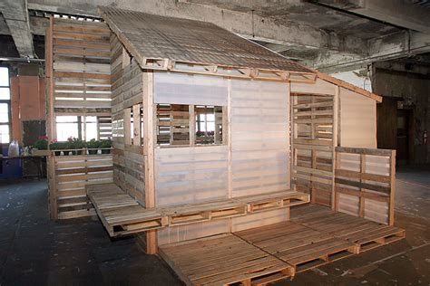 pallet house by i beam design humanitarian projects i beam