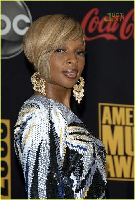 2007 American Awards J Blige by J Blige 2007 American Awards Photo 744291
