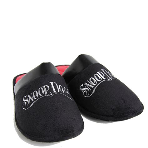 snoop dogg house slippers snoop dogg slipper house shoes and pillow
