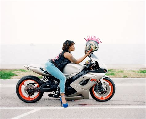 female motorcycle caramel curves mc queens of the bayou black girls ride