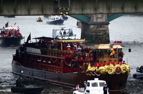 Thames Jubilee River | diamond jubilee thames river pageant zimbio