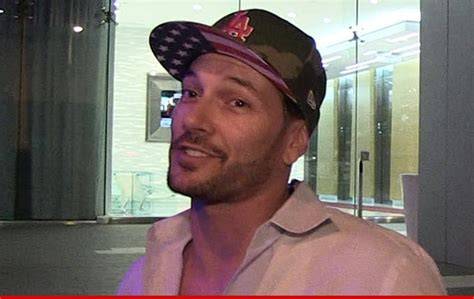 Kevin Federline Lands An Actual by Kevin Federline Is Real Dj Money Now Overseas