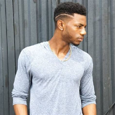 black guy with gold strip in his hairstyle pictures black mens haircuts styles 2018 2019 black hairstyle