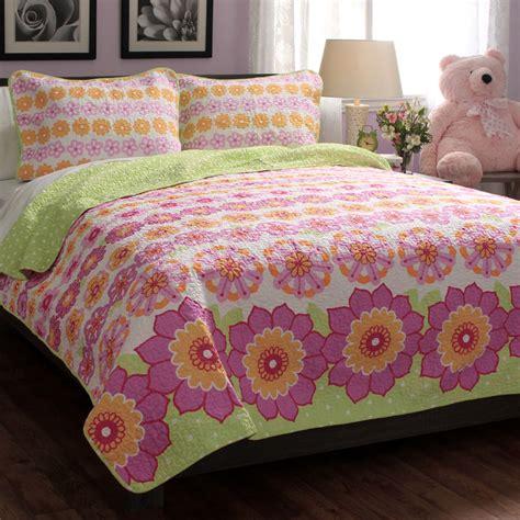 Modern Quilt Set by Summer Flowers Cotton 3 Quilt Set