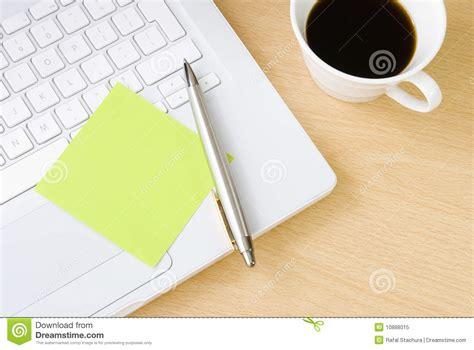post it bureau pc blank postit note on white laptop keyboard royalty free