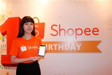 Lu Shopee ulang tahun shopee bagi bagi award ke pengguna telset