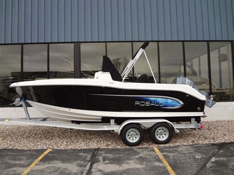 robalo boats photos robalo r200 2014 for sale for 39 850 boats from usa