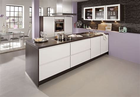 schmales küchen design mit insel moderne k 252 chen l form mit insel dockarm