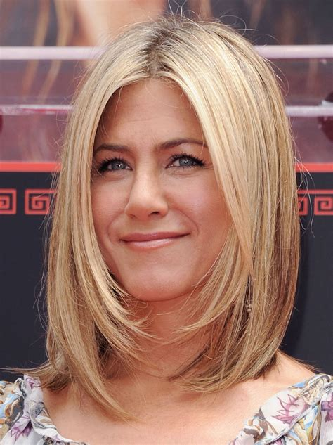 how to achieve the new haircut the lob the lob this summer s hottest hair cut long bob