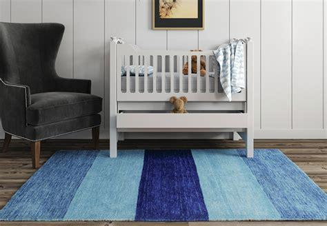 tappeti camere bambini foto dei bambini con tappeto colore azzurro di