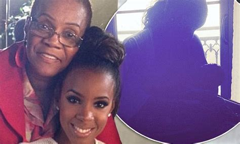 Kelly Rowland shares photo of son Titan after mourning