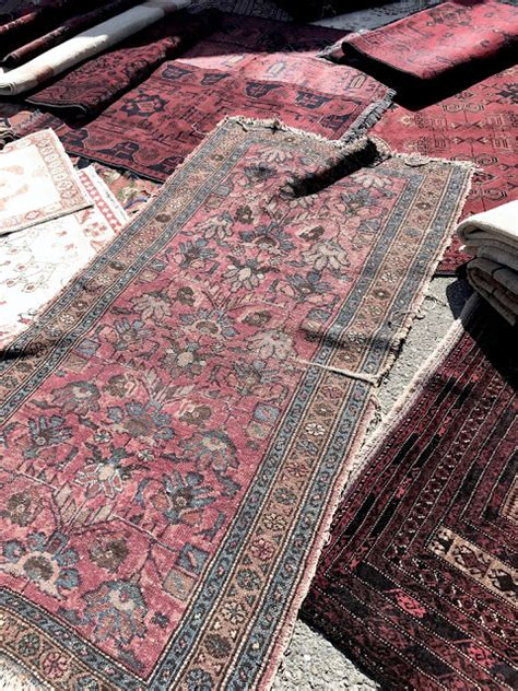 flea market rugs great inexpensive flea market items to look for now classic casual home