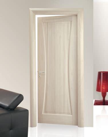 mostre porte interne produzione di porte interne in legno massello lecce