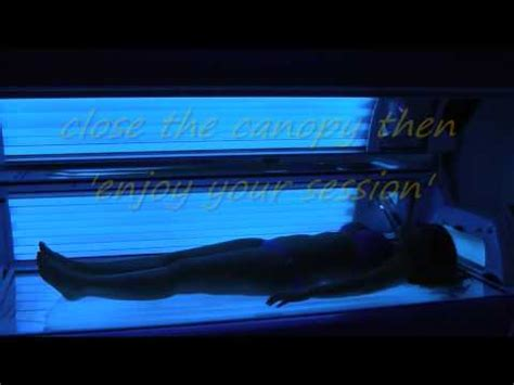 girls in tanning beds a girl in a solarium tanning bed youtube