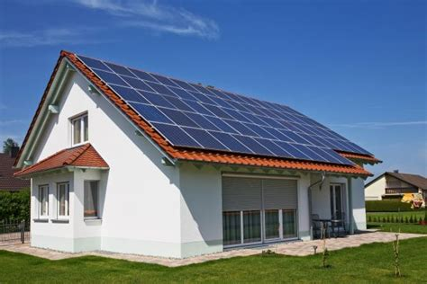 how many homes use solar energy how to choose solar panels for your home