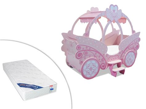lit en forme de carrosse lit enfant carrosse 90x190cm princesse option matelas