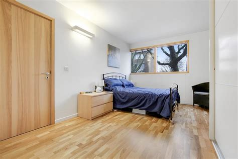 two bedroom apartments london 2 bed apartment to rent st james s road london se16 4qj