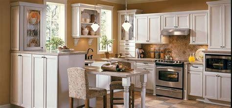 thomasville kitchen cabinet cream cherry cabinets maple 1000 ideas about thomasville kitchen cabinets on