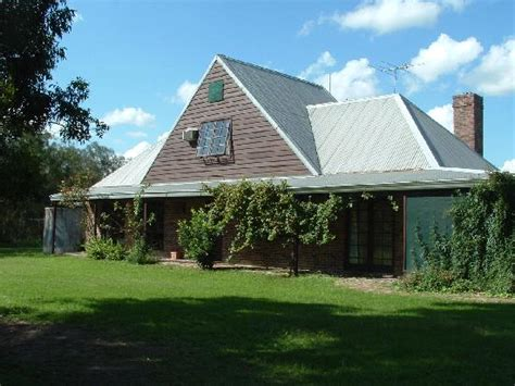 Pokolbin Cottages by Habit Cottages Greater Newcastle Pokolbin