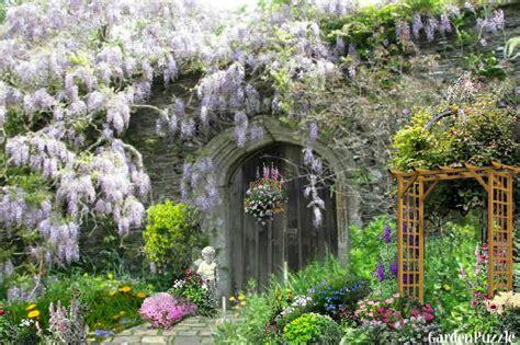 Seculded Old English Garden   GardenPuzzle   online garden planning tool