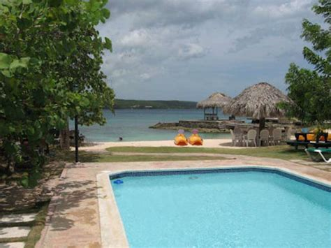 Coral Cove Cottages by Coral Cove Cottage Vacation Villa Rental Discovery Bay