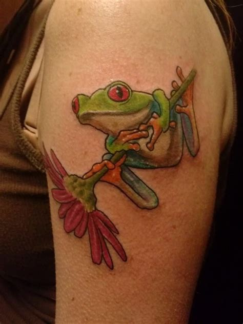 tree frog tattoo 21 best tree frog tattoos images on tree frogs
