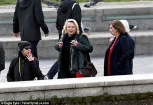 the funny and fab film what s up doc my favourite jennifer saunders and joanna lumley visit kate moss for