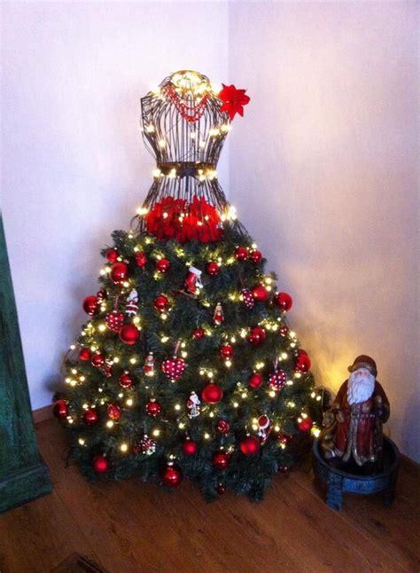 13 kreasi pohon natal unik cantik paling menginspirasi