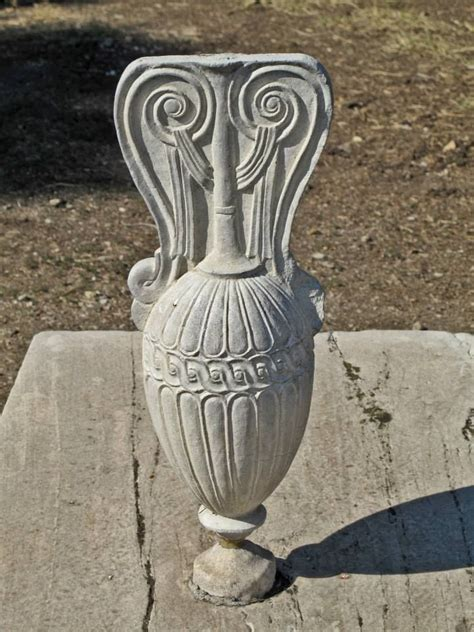 Ancient Vase Ancient Decorative Vase On Tomb Ancient Cemetery Of