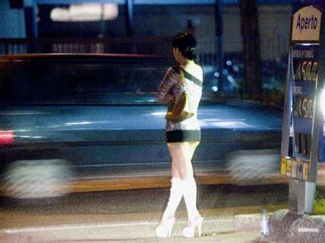 puttane a letto caso prostituzione i potentini queste rumene sono tutte