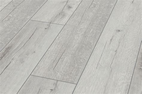 white wood effect laminate flooring for bathrooms