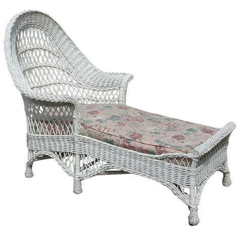 wicker chaise lounge chair bar harbor wicker chaise lounge at 1stdibs