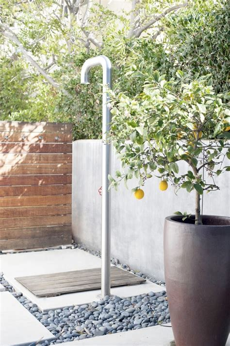 13 outstanding outdoor bathrooms en plein air a curation of outdoor showers