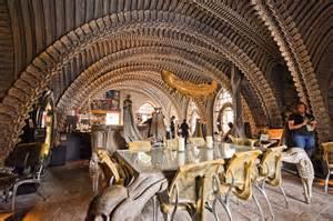 les 10 bars restaurants les plus insolites de la plan 232 te