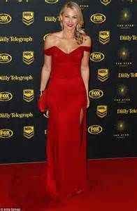 She's a Pretty Woman! The Bachelor's Anna Heinrich has Julia Roberts moment in sultry off the