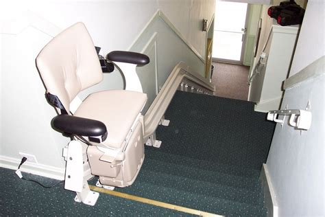 Stairs Chair Lift by Wheelchair Assistance Electrical Stair Lift Chair
