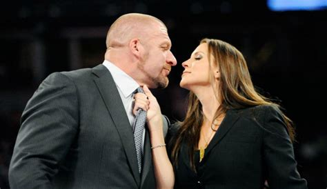 stephanie mcmahon asks triple h to sign the annulment wwe news triple h stephanie mcmahon collaborating to