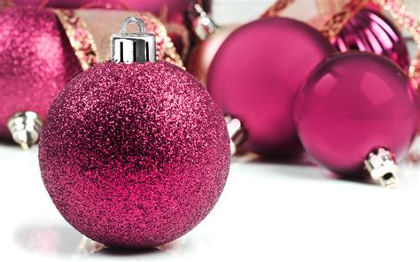 Christmas balls christmas baubles and christmas decorations 1920 1200