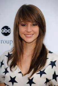 hair styles with swept fringe side swept bangs for a square face women hairstyles