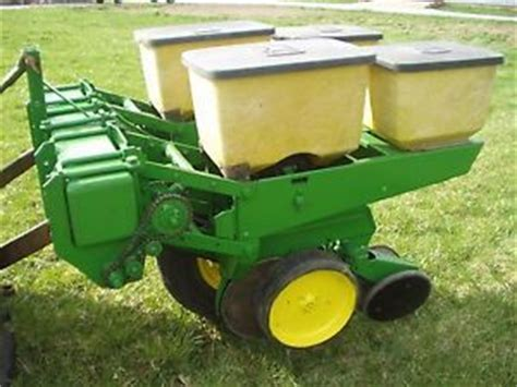 3 Row Corn Planter by Deere 2 Row 7000 Planter 3 Point Hitch Mounted Sweet