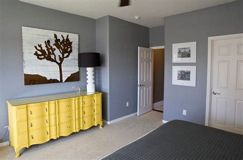 Yellow Walls And Gray Floor Cheerful Sophistication 25 Gray And Yellow Bedrooms