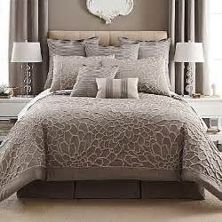 what accent color would be with this bedding set