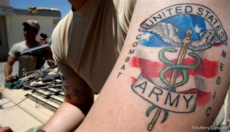 tattoo army regulation 2014 soldiers rush to get tattoos before army rules take effect