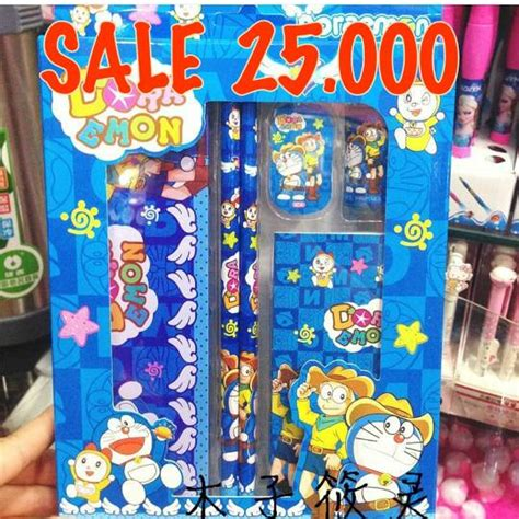 Mainan Mobil Doraemon foto mainan doraemon mainan toys