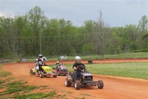 rebels and rednecks lawn mower racing home www lawnmower racing