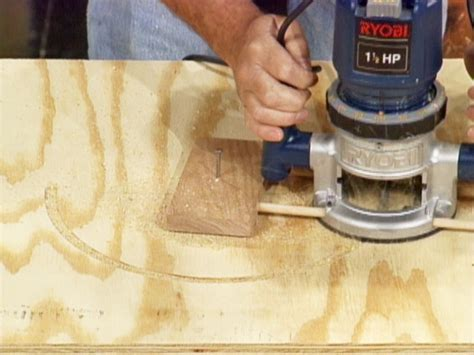 wood pattern maker jobs how to cut circles and curves with a router how tos diy